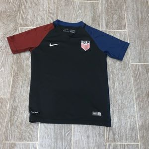 Nike USA soccer jersey women's size medium